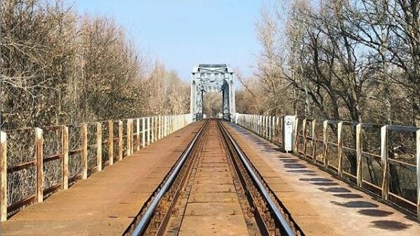 A vonatsín lineáris pálya - csak úgy mint egyetlen szakma választása