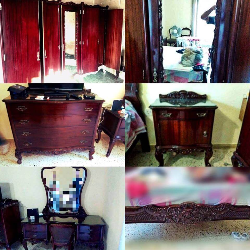 Régi sötét hálószoba bútor felújításra várva